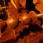 tournage de 2 têtes de baguettes de xylophone en ébène